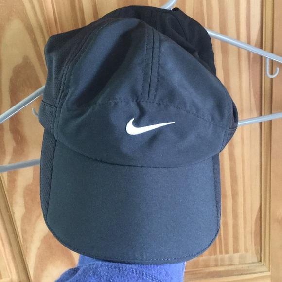 a1ce56c447942 Nike Women s Golf Hat. M 5c7978c1035cf1a68bac5e67